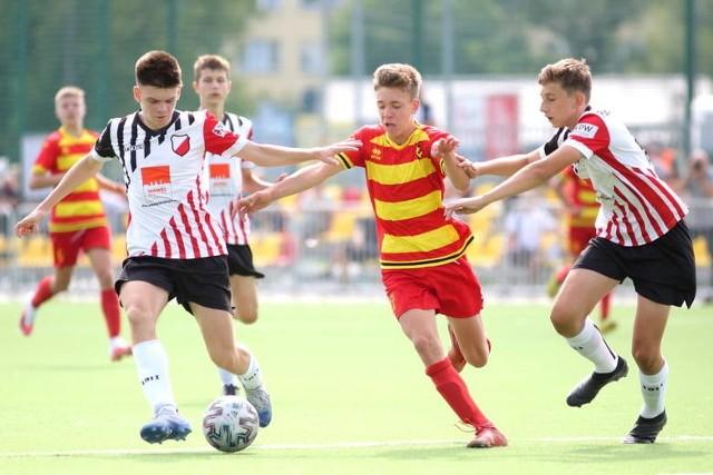 Jagiellonia Białystok przegrała 1:4 z Legią Warszawa w spotkaniu 12. kolejki Centralnej Ligi Juniorów U-15. Wcześniej zdecydowanie lepiej radziła sobie z Polonią.