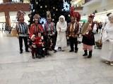 Boże Narodzenie. Teatr w Korowodzie, Dziadach i kolędach
