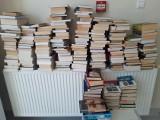 """Szpitalna biblioteczka jest już wypełniona po brzegi. Akcję """"Podziel się książką z wakacji"""" trzeba było zakończyć przed czasem"""