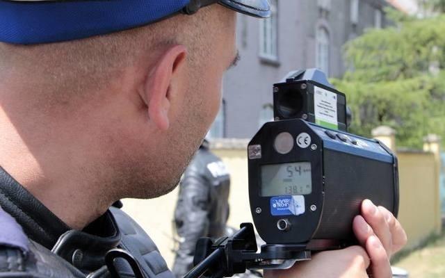 Policjanci KPP w Nakle sprawdzali jak jak kierowcy stosują się do przepisów dotyczących ograniczeń prędkości