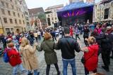 Trzeci dzień ,,We are all Greeks''. Wrocławianie bawili się w centrum miasta
