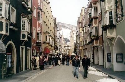 Neustadt i wieża Zwölfer Fot.autor