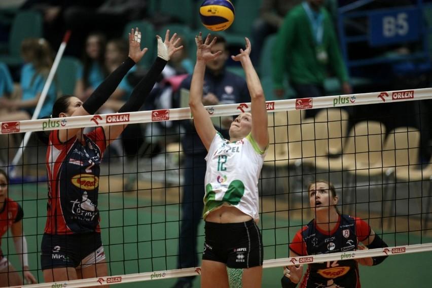 Micha Hancock (w środku) i jej koleżanki często spotykały się w tym sezonie z Grot Budowlanymi Łódź