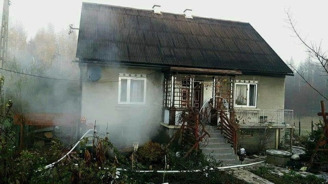 Strażacy uratowali dom przed spaleniem