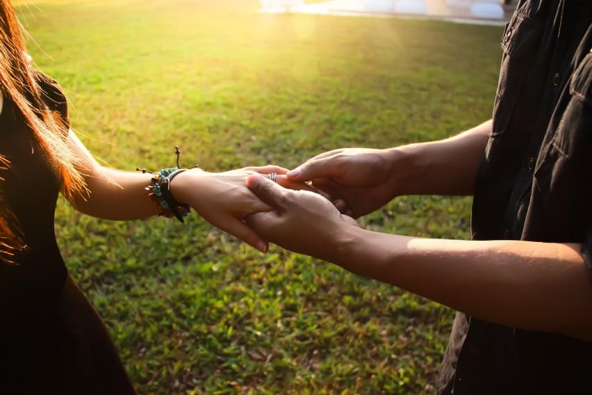Emocjonalna i fizyczna bliskość to warunek udanych zbliżeń...