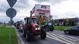 Protest rolników na DK11 w Ciasnej przeciwko piątce dla zwierząt. Sznur traktorów pojechał do Lublińca w żółwim tempie