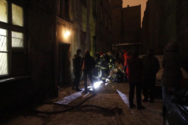 Pożar mieszkania w kamienicy przy Wólczańskiej 61 w Łodzi