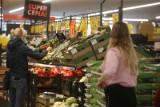 Zakupy przed Wielkanocą. Lidl, Biedronka i Netto wydłużają godziny otwarcia. Wybrane sklepy Lidl i Biedronka czynne nawet 24h