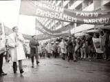 Pochody pierwszomajowe w Jastrzębiu-Zdroju. Tysiące górników na ulicach miasta. Zobaczcie archiwalne zdjęcia