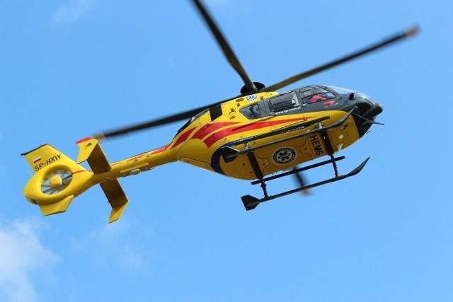 Mężczyzna został przetransportowany śmigłowcem Lotniczego Pogotowia Ratunkowego do szpitala w Gryficach.