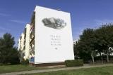 W Słupsku odsłonięto mural poświęcony postaci Witolda Pileckiego, czyli do trzech razy w Słupsku sztuka [ZDJĘCIA, WIDEO]