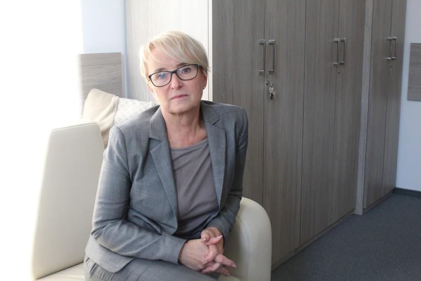 """Sędzia Beata Morawiec urodziła się w 1964 roku w Oświęcimiu, prawo kończyła na Uniwersytecie Jagiellońskim. Prezes Stowarzyszenia Sędziów """"Themis"""""""