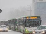 Białystok. Radny chce udostępnienia oczekującym pasażerom Białostockiej Komunikacji Miejskiej autobusów na przystankach końcowych.