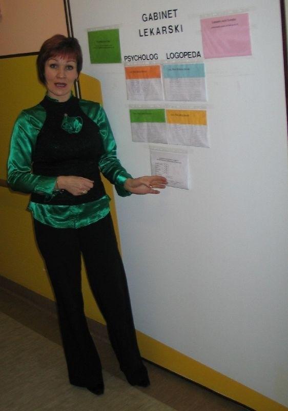 Od marca z chorymi spoza placówki pracuje tylko jedna zakontraktowana pielęgniarka - pokazuje grafik Barbara Zych, kierownik tarnobrzeskiej placówki.