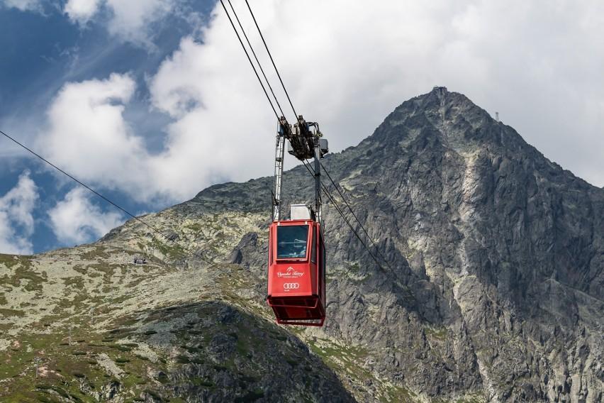 Włochy: Runęła kolejka górska. Zginęło dziewięć osób. Dwójka dzieci cudem przeżyła upadek wagonika