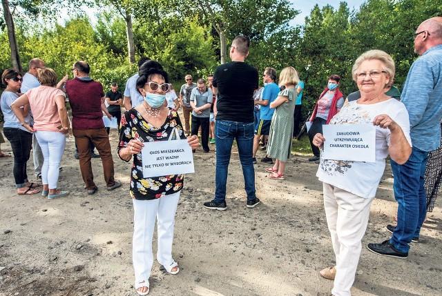 Na Jeżynowej na Lubiatowie w Koszalinie protestują. Nie chcą po sąsiedzku bliźniaków