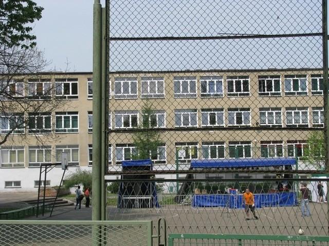 Zespół Szkół Ogólnokształcących  w Strzelcach