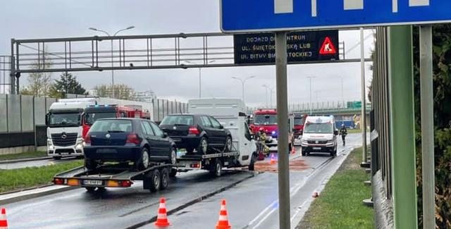 Wypadek przed rondem Putry w Białymstoku. 5-letnie dziecko trafiło do szpitala