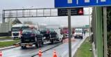 Wypadek na wlocie do Białegostoku od strony Augustowa. Zderzyły się bus z lawetą i dwie osobówki. 5-letnie dziecko trafiło do szpitala