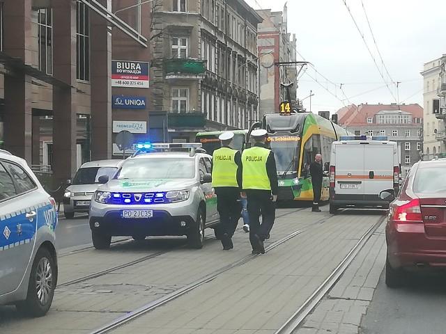 W niedzielę, około godziny 13 doszło do zderzenia samochodu osobowego z tramwajem MPK Poznań linii nr 14. Nikt poważnie nie ucierpiał.Zobacz kolejne zdjęcie --->