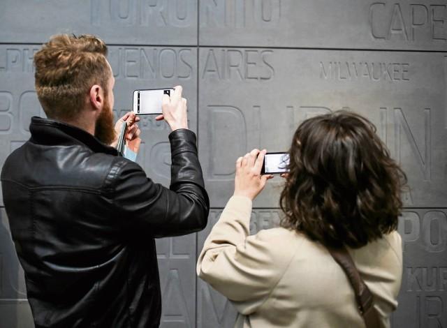 Dzięki smartfonom lepiej poznamy sztukę współczesną