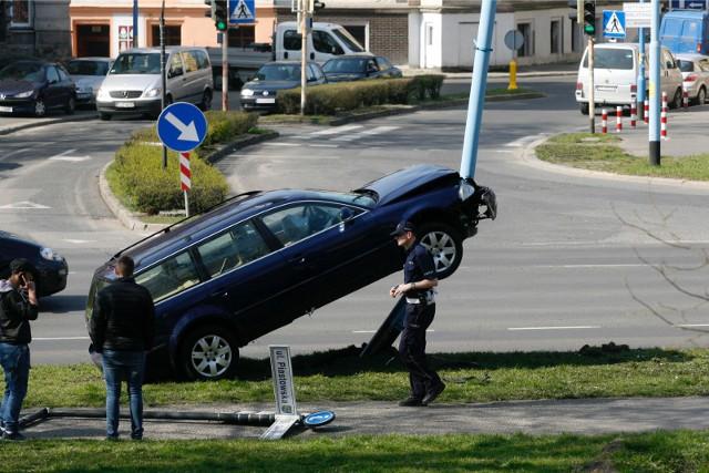 Samochód kupuje się z przypisanym do niego ubezpieczeniem, które po zakończeniu przewidzianego umową okresu nie jest automatycznie kontynuowane.