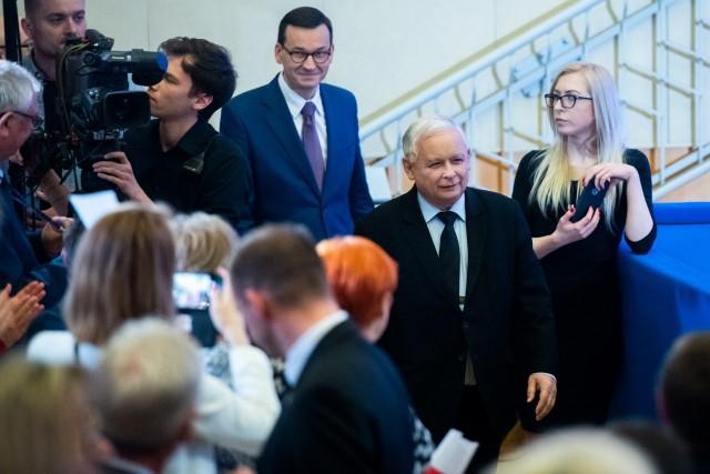 """Konwencja PiS w Poznaniu: """"Przynależność do UE jest wymogiem polskiego patriotyzmu. Ale to nie oznacza, że musimy się na wszystko zgadzać"""""""