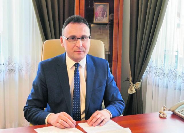 - Chcemy zwiększyć dostępność urzędu dla osób ze szczególnymi potrzebami, dla osób z niepełnosprawnością – mówi Tomasz Matlakiewicz, Burmistrz Gminy i Miasta Przysucha.