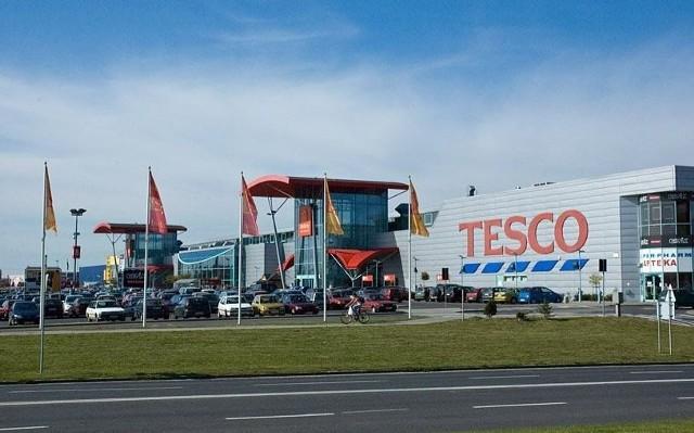 Prezes UOKiK ma zastrzeżenia do przejęcia przez Carrefour Polska hipermarketu Tesco w Bielanach Wrocławskich.