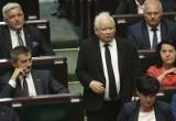 Sondaż IBRiS: Sprawa lotów Kuchcińskiego nie zaszkodziła partii rządzącej. Prawo i Sprawiedliwość z sejmową większością