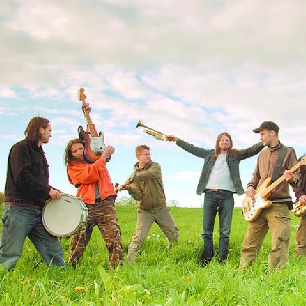 Od trzech lat zespół Akurat gra ponad sto koncertów rocznie.