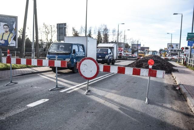 Przebudowa ulicy Grunwaldzkiej w Plewiskach trwa od miesięcy. Niedługo ruszy kolejny etap prac