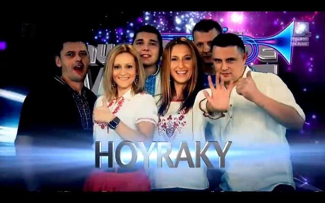 Hoyraky grają folk z domieszką rocka i reggae. Zespół tworzą Piotr Ostaszewski, Wiesław Sędziak, Kasia Kownacka, Marcin Wasiluk, Leszek Przybysz, Jarosław Kaliszewicz oraz Ola i Ewa Iwaniuk.