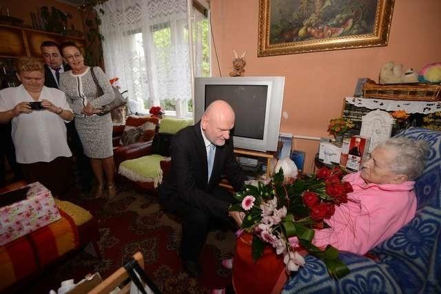 Helena Sulińska obchodziła setne urodziny. Jubilatkę odwiedził m.in. prezydent Michał Zaleski