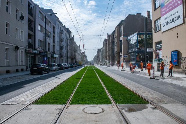 W sobotę, 18 września – po ponad roku przerwy – tramwaje wrócą na ul. Wierzbięcice. Trasy zmieni aż siedem linii tramwajowych. Zobacz, jak po zmianie tras będą jeździły tramwaje. Przejdź dalej --->