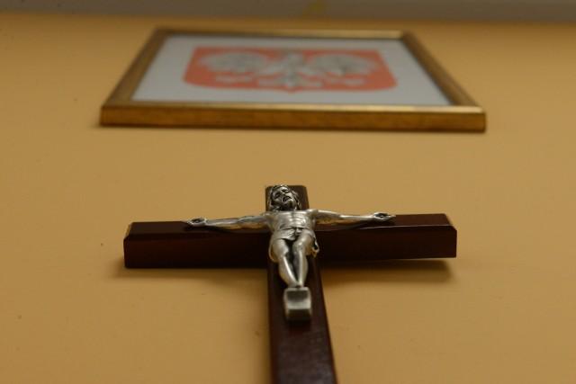 Religia jest przedmiotem nieobowiązkowym. Rodzic może zadecydować o tym, że dziecko nie będzie brało udziału w tym przedmiocie.