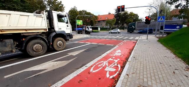 Pierwsza śluza rowerowa powstała na ulicy Hożej
