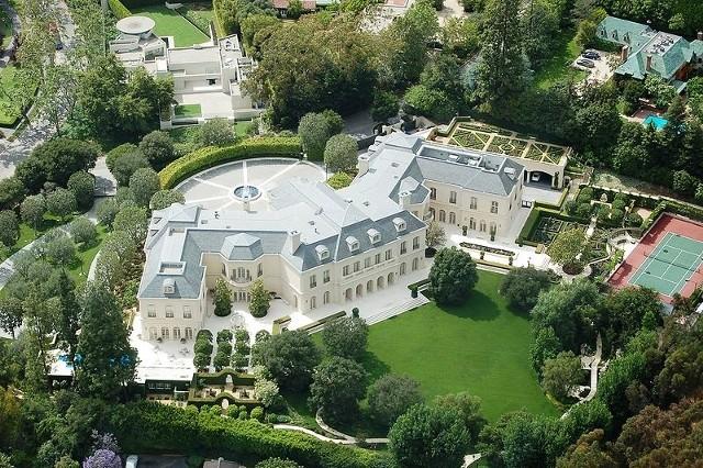 Manor - najdroższy dom świataManor z lotu ptaka - najdroższy dom świata. Mieszczą się w nim 123 pokoje.