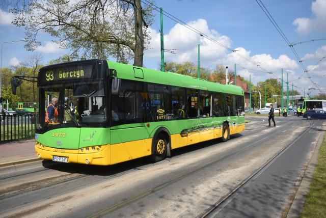 Kolizja autobusu MPK z ciężarówką/zdjęcie ilustracyjne