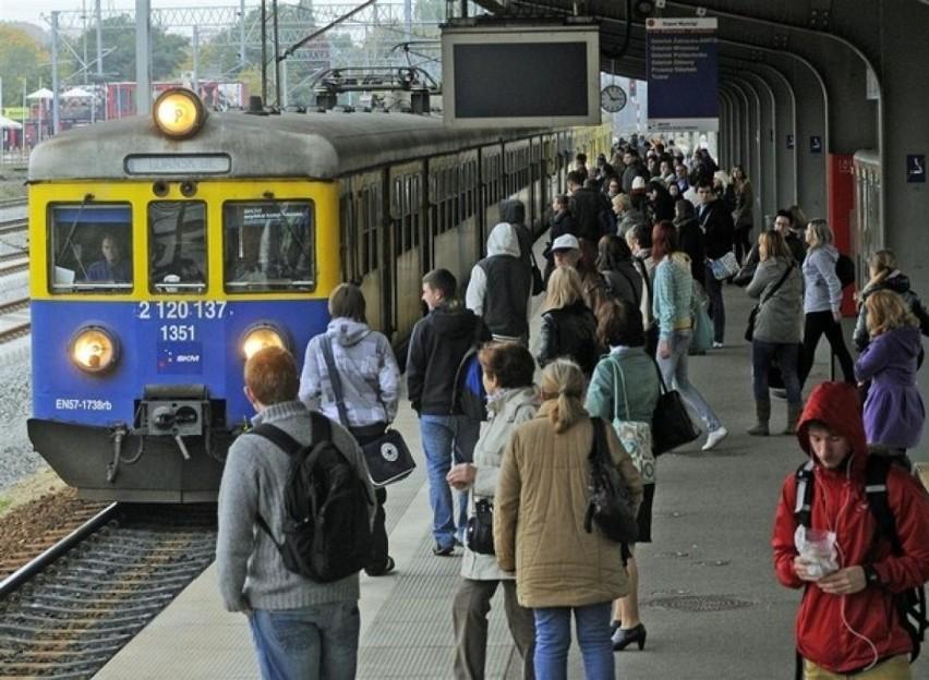 Zerwana sieć trakcyjna SKM. Są opóźnienia w kursowaniu pociągów