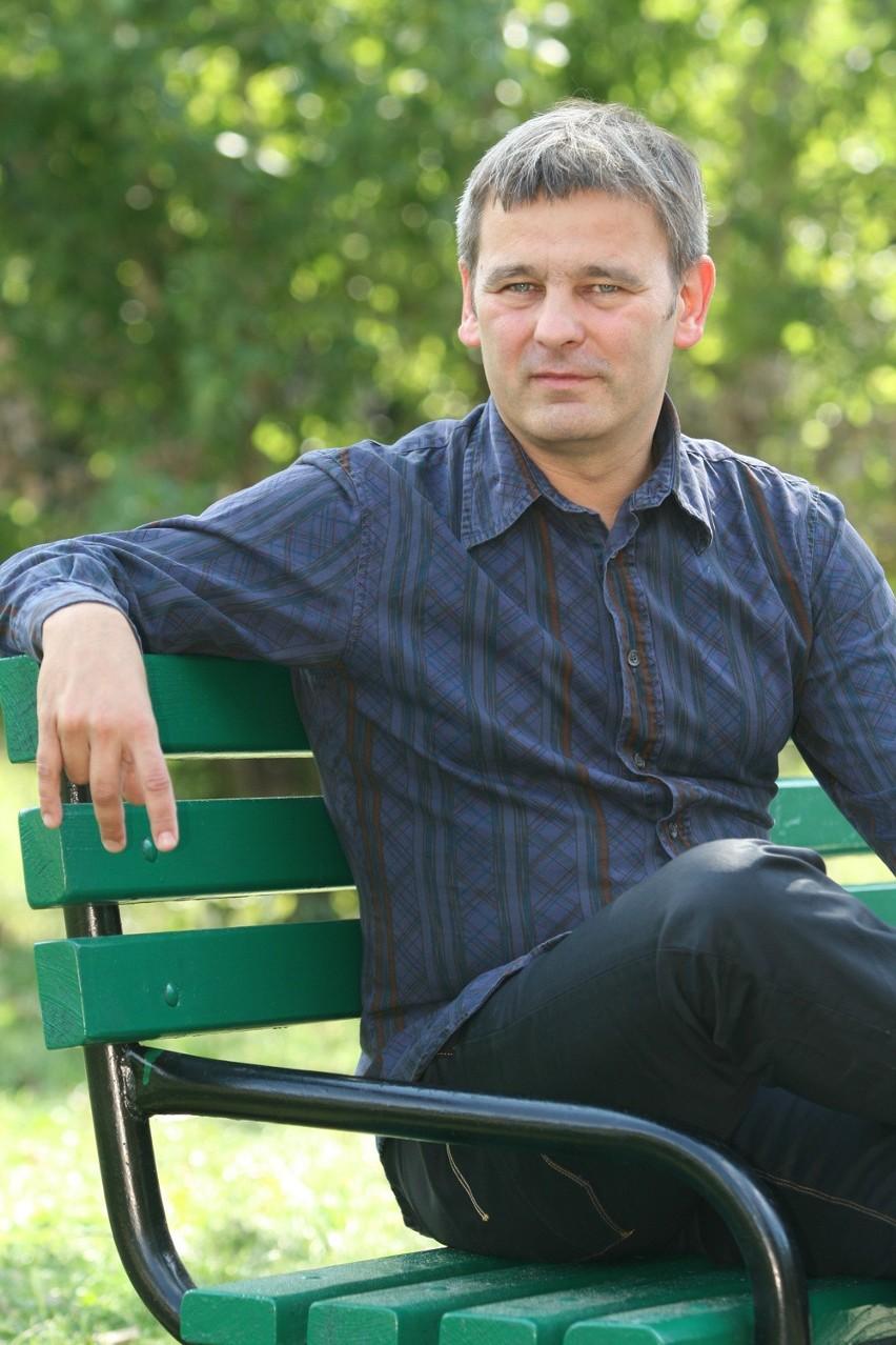 Jacek Grudzień jest szefem i publicystą Łódzkiego Ośrodka...