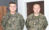 """Żołnierze z Koszalina """"wpadli"""" do Urzędu Gminy w Łagowie. W drodze na szkolenie znaleźli coś cennego i oddali właścicielce"""