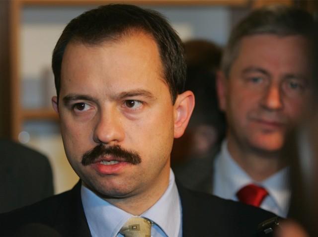 Prawicowy polityk Artur Zawisza usłyszał dwa zarzuty prokuratorskie.