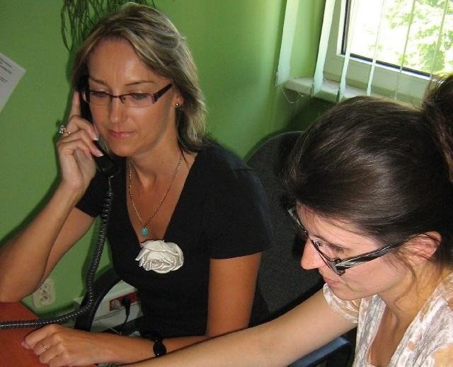 - Radzimy zaglądać na stronę internetową www.pup.gorzow.pl. Tam jest więcej informacji i szczegółów na pomocy naszego urzędu - zapraszają Joanna Frątczak (z lewej) i Marta Tyrakowska z gorzowskiego pośredniaka