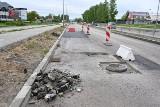 Największa inwestycja drogowa w Kielcach jeszcze nie gotowa a asfalt... już do wymiany [ZDJĘCIA]