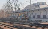 Trwa budowa nowego peronu na Dworcu Głównym (ZDJĘCIA)
