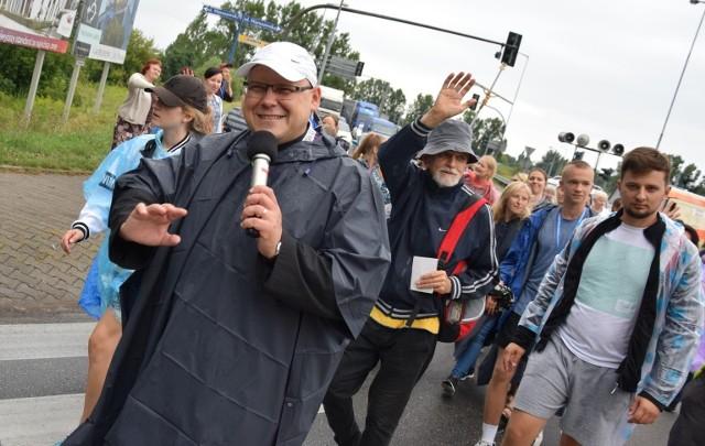 Piesza pielgrzymka z Gorzowa na Jasną Górę idzie już 39. raz. Ks. Krzysztof Kolanowski jest szóstym w historii kierownikiem pielgrzymki.