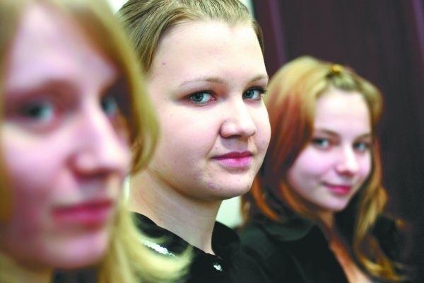 Im więcej różnorodnych klas w szkołach średnich, tym lepiej. Bo każdy może wybrać coś dla siebie - mówią gimnazjalistki z ul. Kamiennej (od lewej: Agnieszka Turowska, Weronika Andraka, Joanna Iwaszkiewicz).