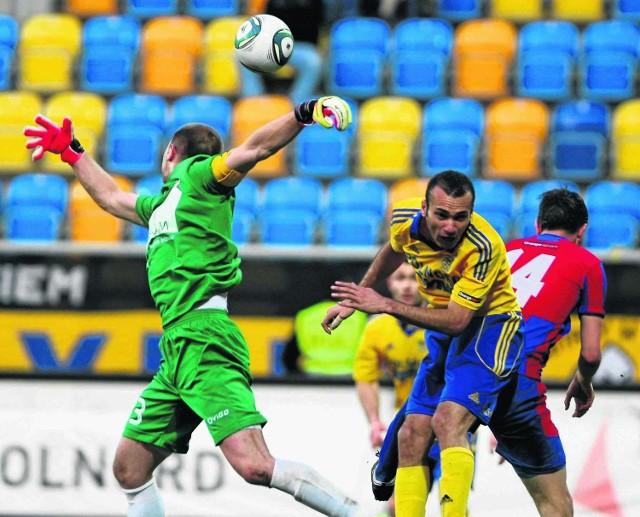 Marcus da Silva mógł strzelić gola już w 28 minucie. Nie pozwolił mu na to bramkarz Polonii
