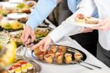 Sylwester 2020/2021: Sałatki i przystawki na Sylwestra. Sprawdź, jak je szybko przygotować [PRZEPISY]
